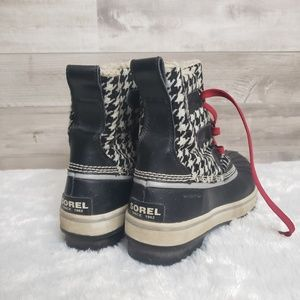 Sorel Shoes - Sorel boots size 7